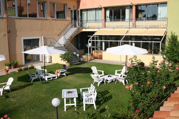 Pausania Inn - фото 23