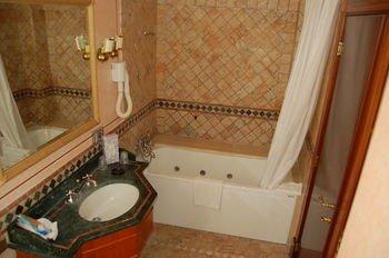 Hotel Torre Sant'Angelo - фото 8