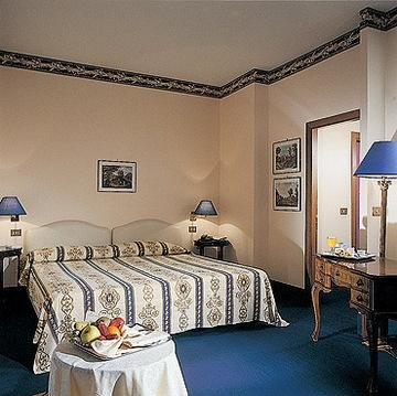Della Torre Hotel, Треви
