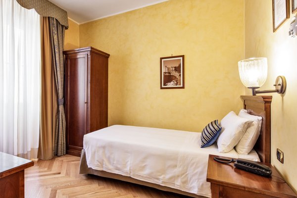 Hotel Continentale - фото 1