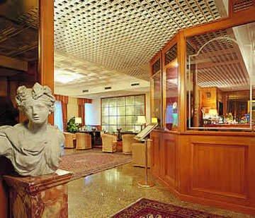 Greif Hotel Maria Theresia - фото 7