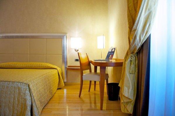 Best Western Crystal Palace Hotel - фото 4