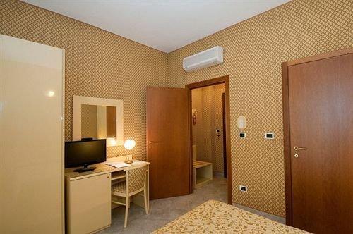 Cairo Hotel Turin - фото 1