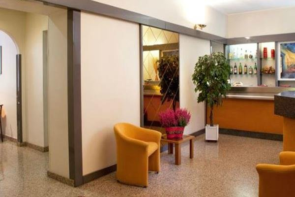 Hotel Des Artistes - фото 10
