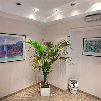 Hotel Des Artistes - фото 5