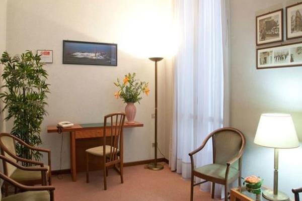 Hotel Des Artistes - фото 9