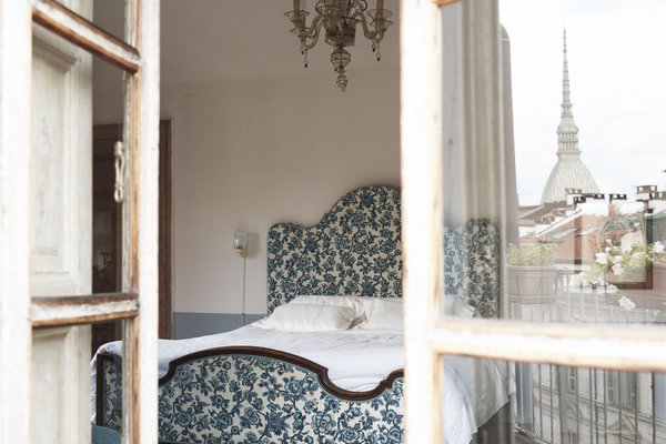 Piazza Castello Apartment - фото 9