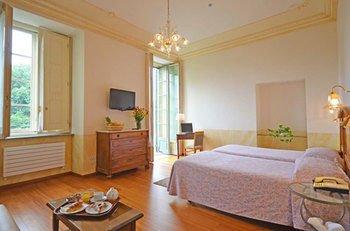 Hotel Roma e Rocca Cavour - фото 1