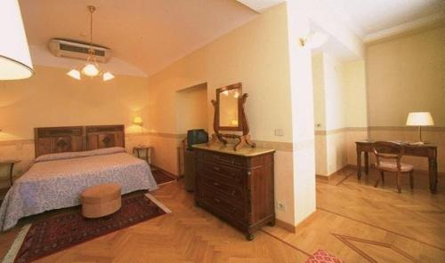 Hotel Roma e Rocca Cavour - фото 5