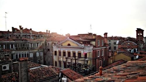 Venice Apartments - фото 20
