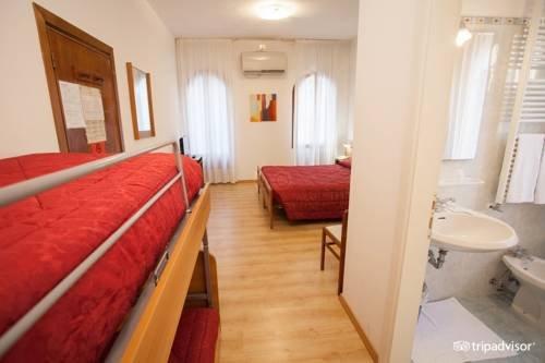 Hotel Caprera - фото 1