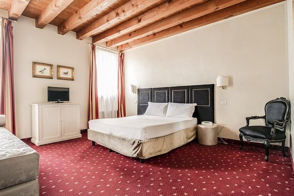 Diana's Rooms & Suites - фото 38