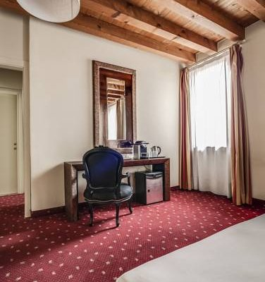 Diana's Rooms & Suites - фото 5
