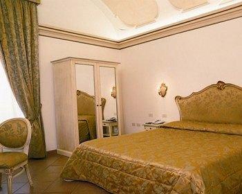Hotel Italia - фото 1