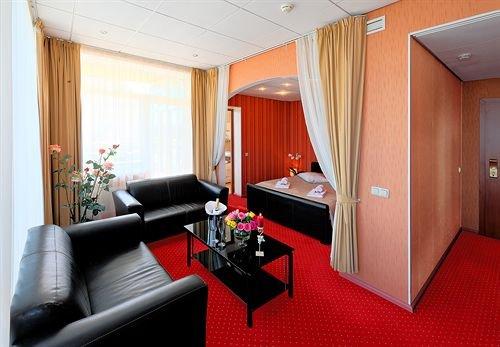 Отель Baltpark - фото 2