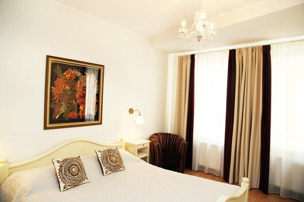 Отель Forums - фото 1