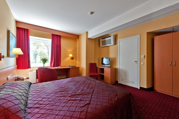 Hotel Europa City Vilnius - фото 2