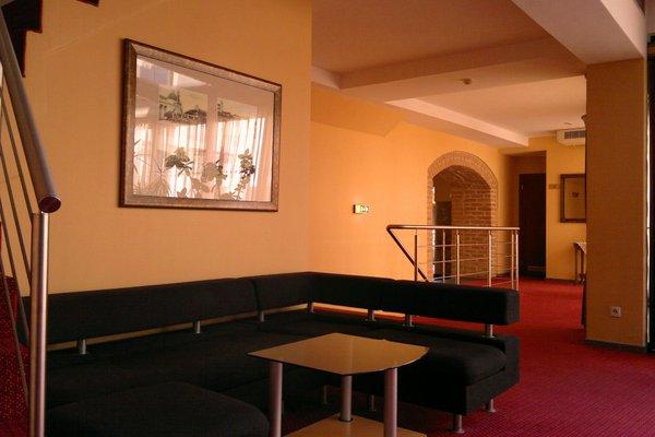 Atrium Hotel - фото 6