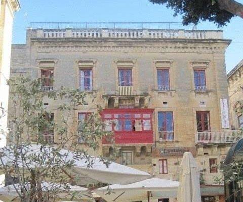 Luciano Valletta Boutique - фото 23