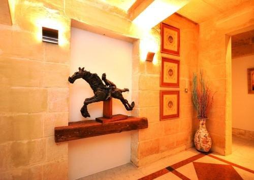 Palazzo Valletta Suites - фото 6