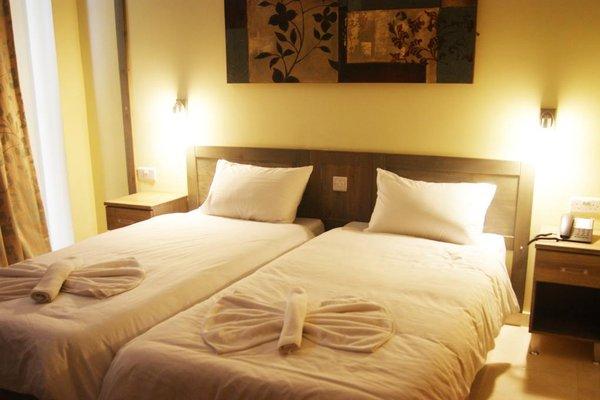 Alexandra Hotel - фото 1