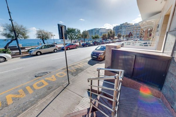 Sliema Chalet Hotel - фото 19
