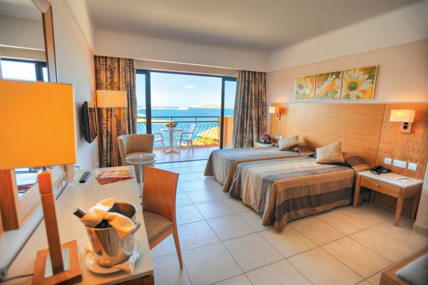 Ramla Bay Resort - фото 1