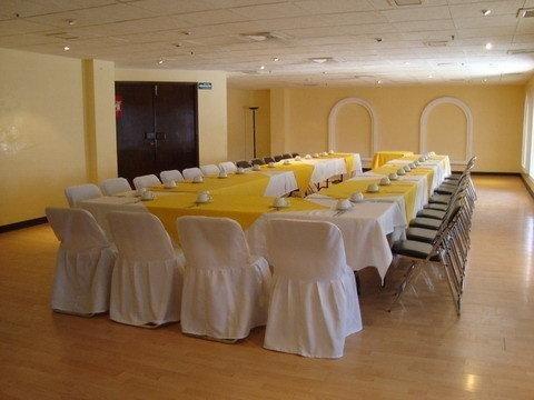 Hotel Condado Plaza - фото 9