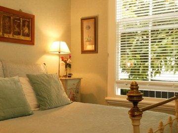 Eden Park Bed And Breakfast Inn