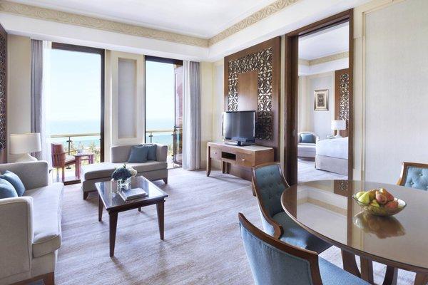 Al Bustan Palace, A Ritz-Carlton Hotel - фото 4