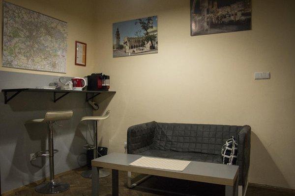 City Hostel - фото 7