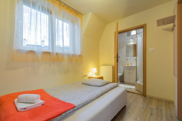 Euro-Room Rooms & Apartments - фото 1