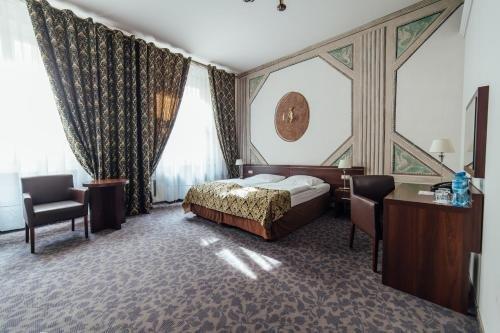Hotel Rezydent - фото 1