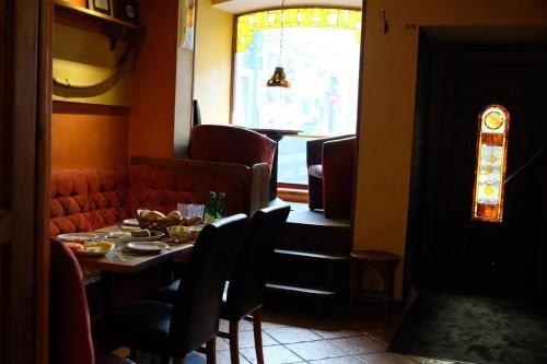 Academus - Cafe/Pub & Guest House - фото 11