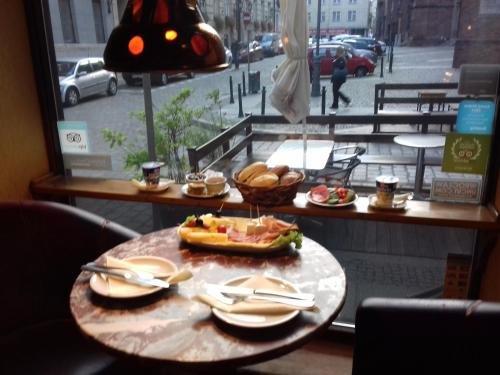 Academus - Cafe/Pub & Guest House - фото 13