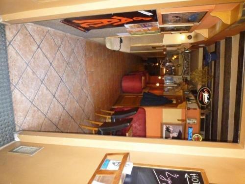 Academus - Cafe/Pub & Guest House - фото 3