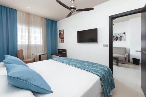 Riu Costa Lago Hotel Torremolinos - All Inclusive - фото 1