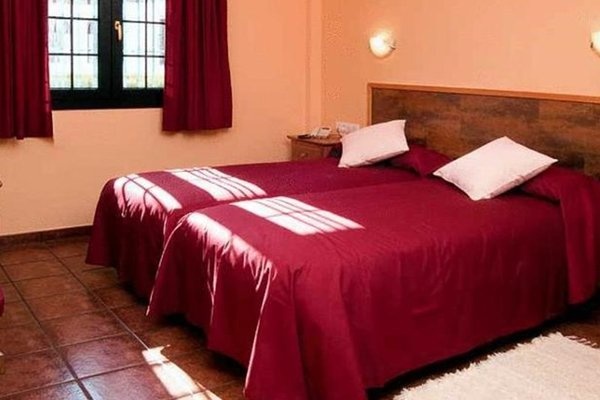 Hotel Ruta del Poniente - фото 1