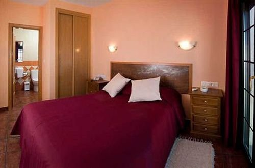 Hotel Ruta del Poniente - фото 2