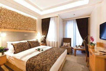 Emerald Hotel