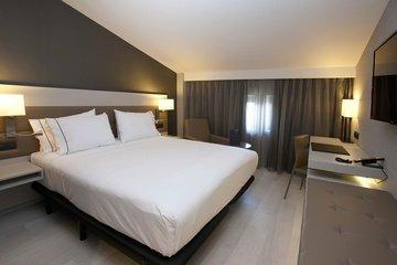 AC Hotel Colon Valencia, a Marriott Lifestyle Hotel - фото 1