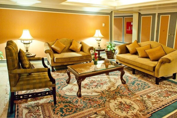 Royal Ascot Hotel - фото 4