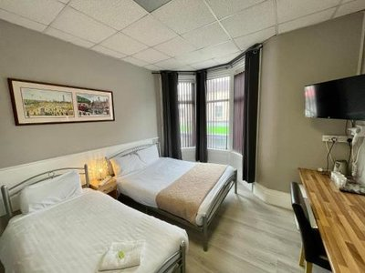 Topaz Guest House