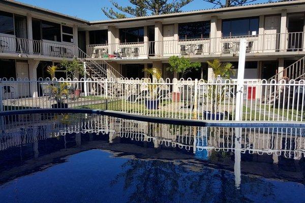 A'Montego Mermaid Beach Motel - фото 50