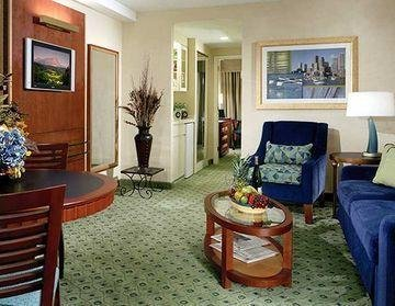 Photo of DoubleTree Suites by Hilton Hotel Boston - Cambridge