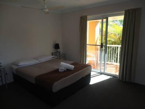 Regent Court Holiday Apartments - фото 1