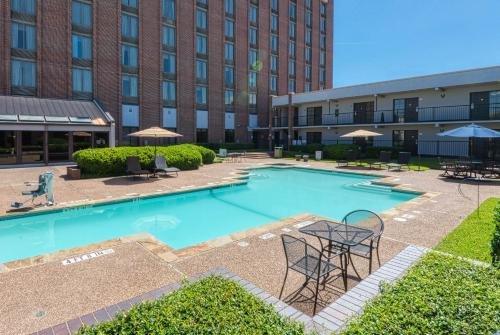 Photo of MCM Elegante Hotel and Suites – Dallas