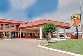 Super 8 Dallas Love Field Market Center