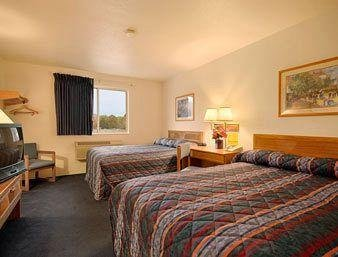 Photo of Super 8 By Wyndham Pittsburgh/Monroeville