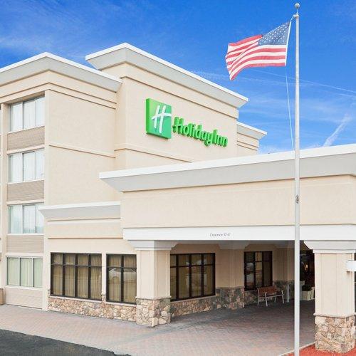 Photo of Holiday Inn & Suites Marlborough, an IHG Hotel